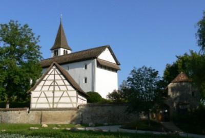 Bergkirche vom Parkplatz aus